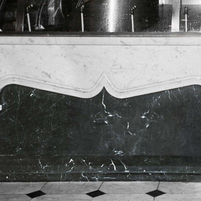 London - White Carrara Lavagnina and Marquinia Black, counter